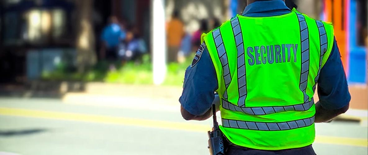 4 Reasons You Need A Security Guard At Your Factory